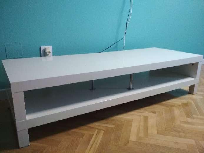Imagen mesa TV madera blanca