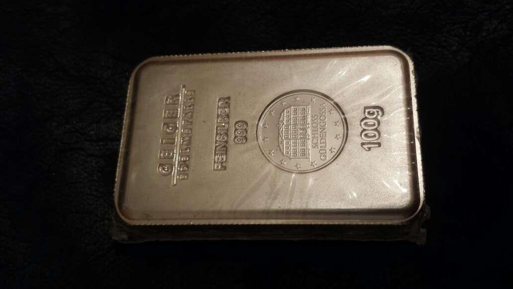 Imagen lingote de plata pura 999 de 100 gramos