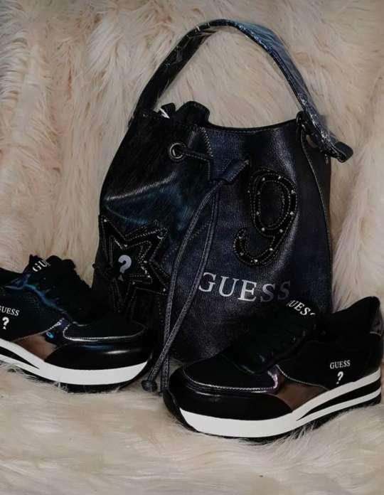 Imagen conjuntos de zapatos y bolsos