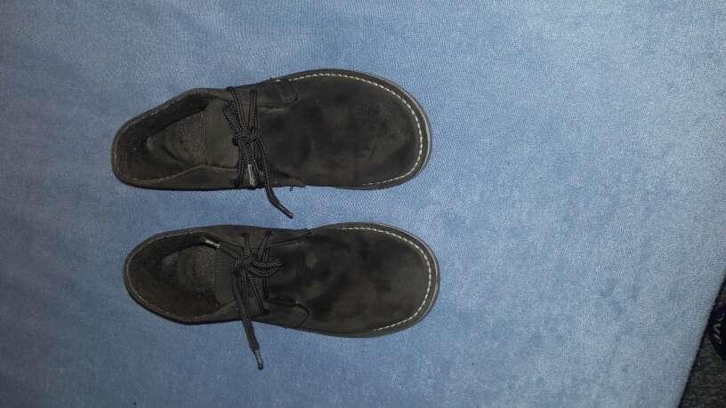 Imagen producto 2 pares zapatos talla 35 2