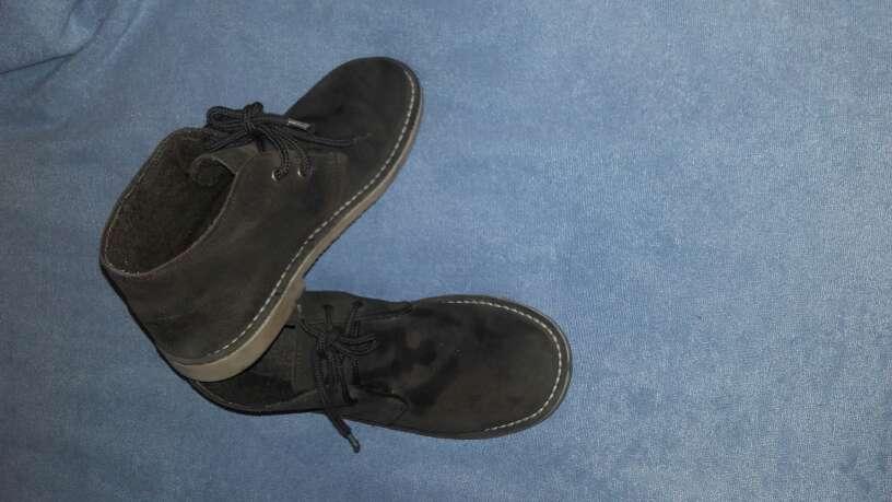Imagen 2 pares zapatos talla 35