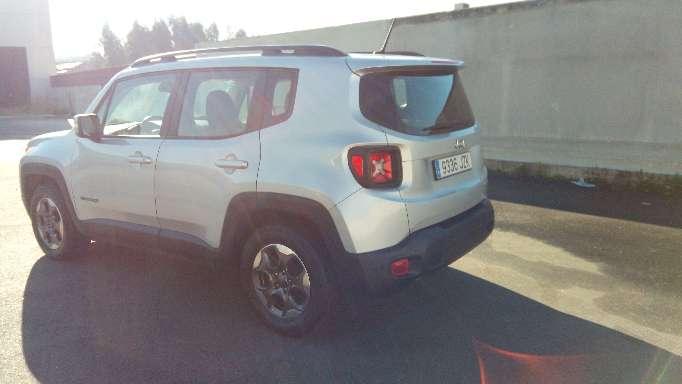 Imagen producto Jeep renegado 2