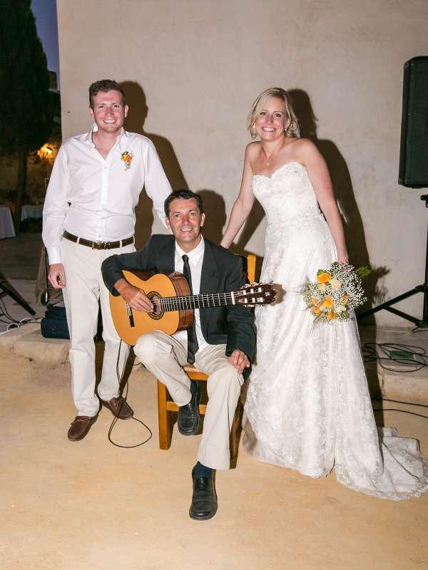 Imagen producto Guitarrista para bodas y eventos en Alicante 4