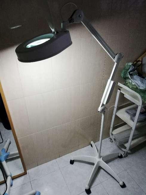Imagen producto Lámpara con lupa 2