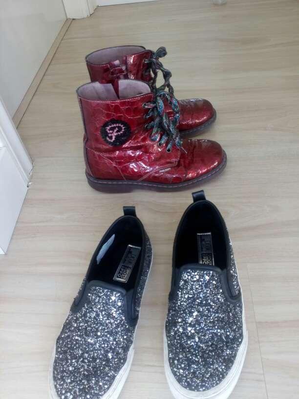 Imagen botas Pabloski N 34 y zapatillas Gios Eppo
