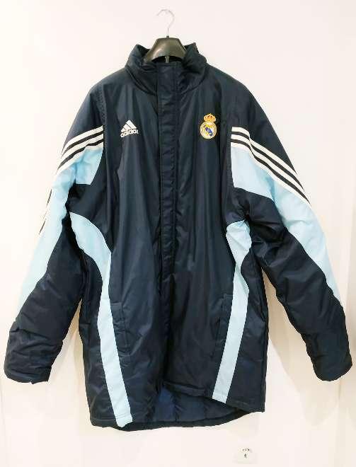 Imagen Abrigo Adidas Real Madrid sin estrenar. Talla 4XT.