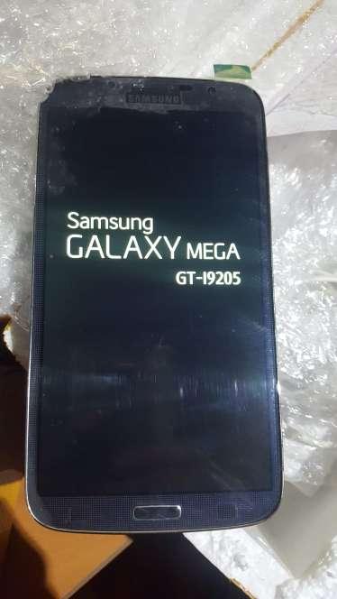 Imagen producto Samsung Galaxy Mega 4G 3