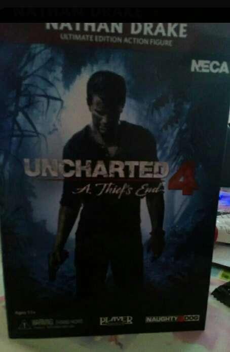 Imagen figura Uncharted  en su caja