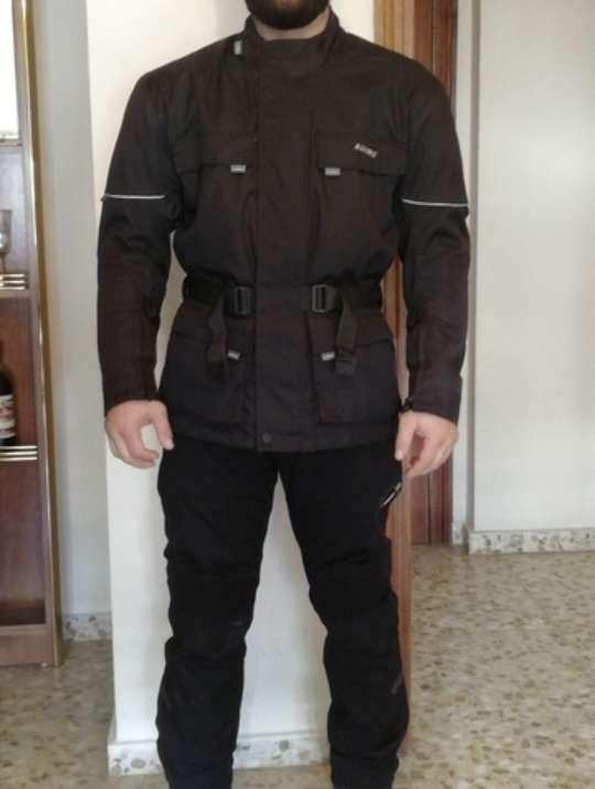 Imagen Vendo traje de cordura
