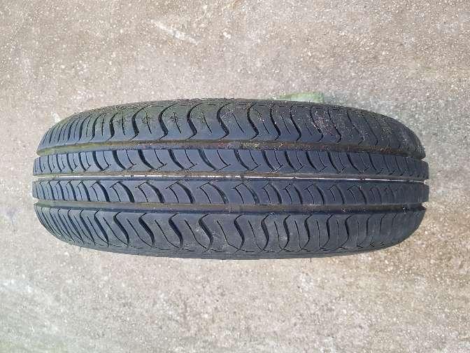 Imagen producto Se vende rueda de coche.las medidas están en las fotos. 5