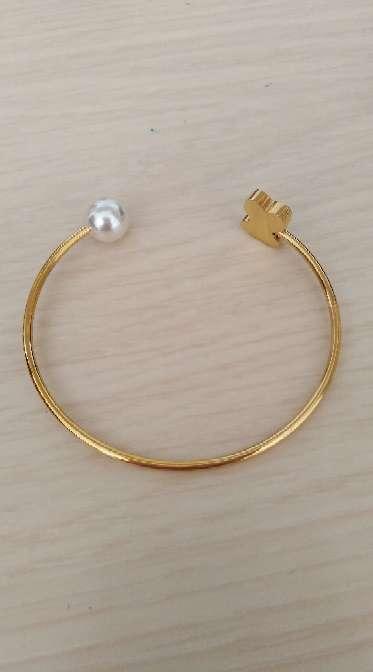 Imagen producto Pulsera con detalle de perla  4
