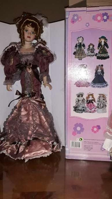Imagen muñeca de porcelana de coleccion