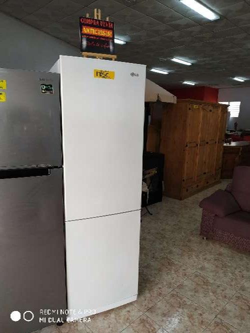 Imagen frigorífico combi LG 60x190