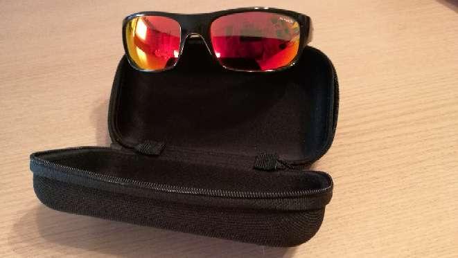 Imagen vendo gafas Arneette con cristal rojo