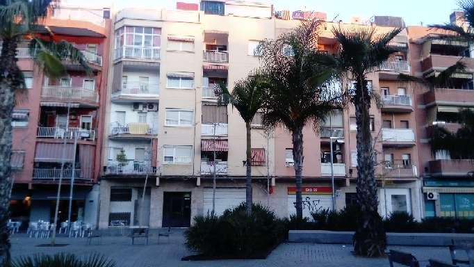Imagen Piso Céntrico en venta en la Plaza Blanes de El Prat de Llobregat (Barcelona)