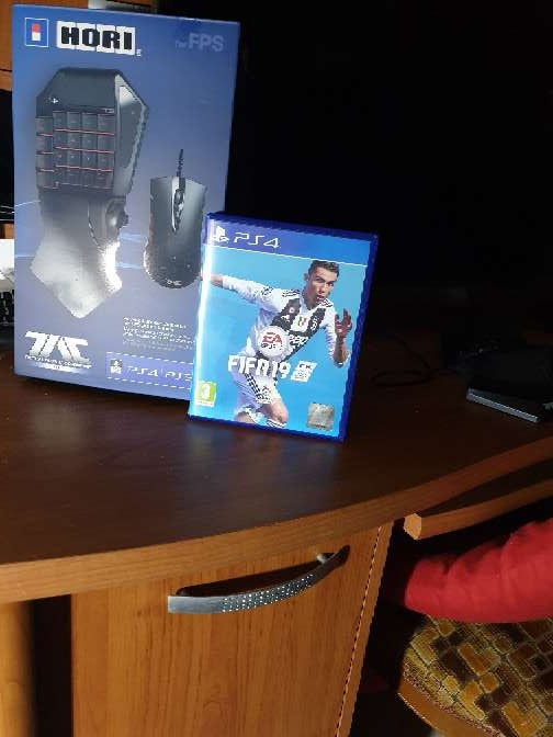 Imagen producto PS4 PRO 1 TB 2