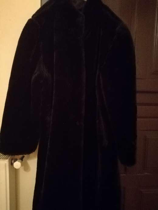 Imagen Abrigo de piel negro mouton