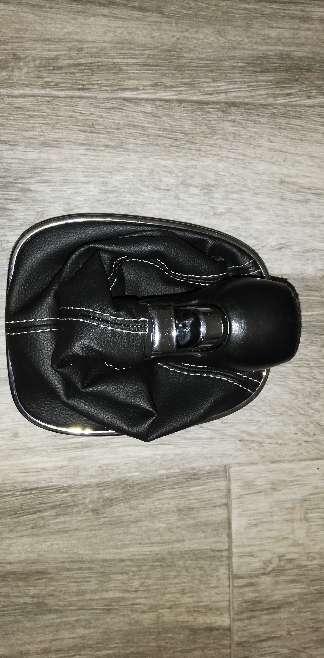 Imagen producto Pomo y Funda de piel  2