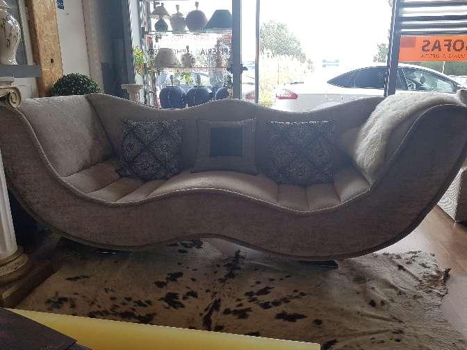 Imagen sofá mesa