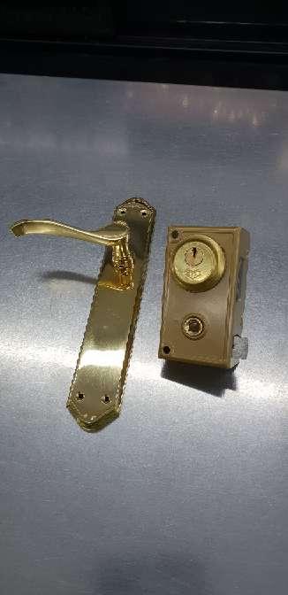 Imagen cerrajero soldador carpintero