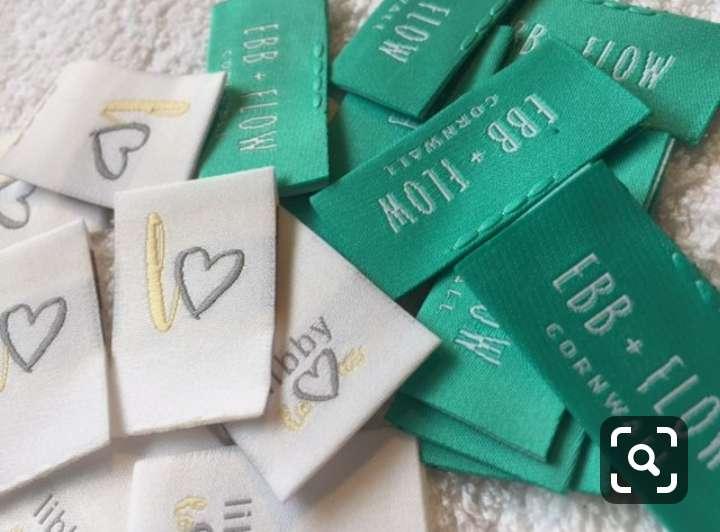 Imagen producto Etiquetas bordadas y estampadas  para ropa 3