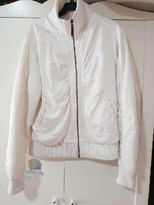 Imagen chaqueta Bershka talla L