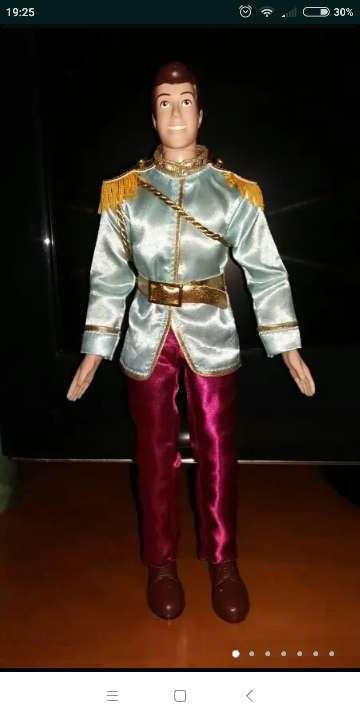 Imagen muñeco príncipe cenicienta Disney