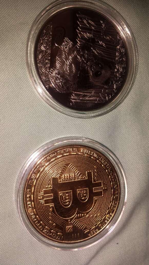 Imagen producto 2 monedas,  panda y bitcoin 4