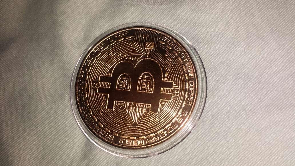Imagen producto 1 bitcoin dorado  2