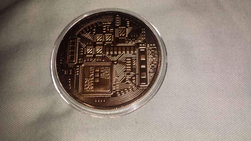 Imagen producto 1 bitcoin dorado  3
