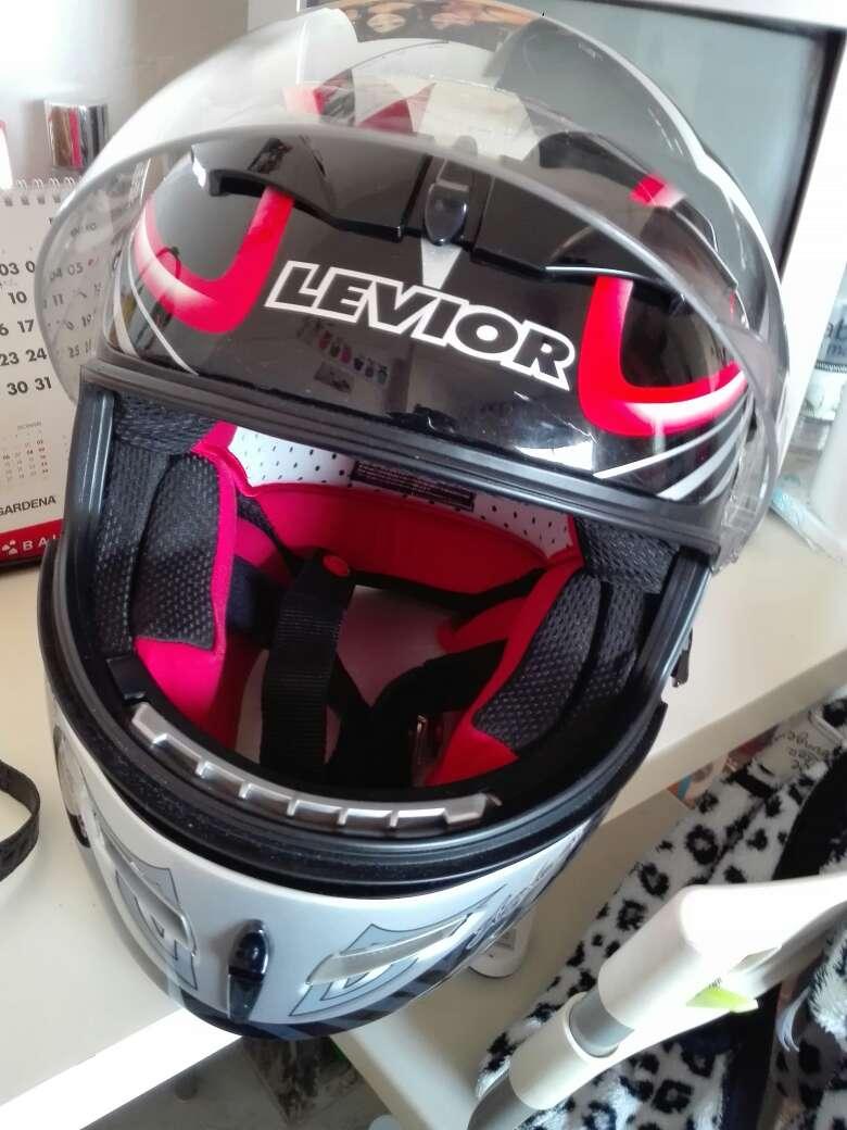 Imagen casco de motociclista