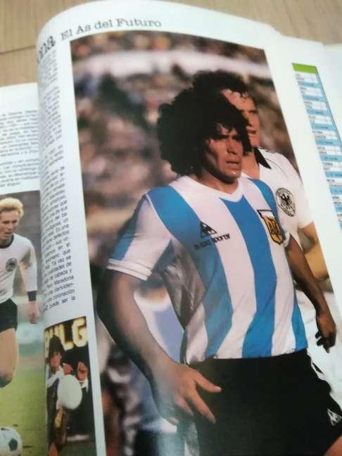 Imagen producto Copa del mundo de fútbol 82 3