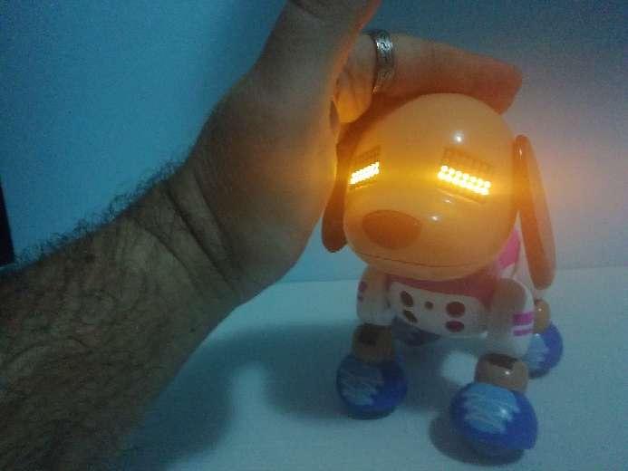 Imagen Perro Robot. Nuevo. Expresa sentimientos