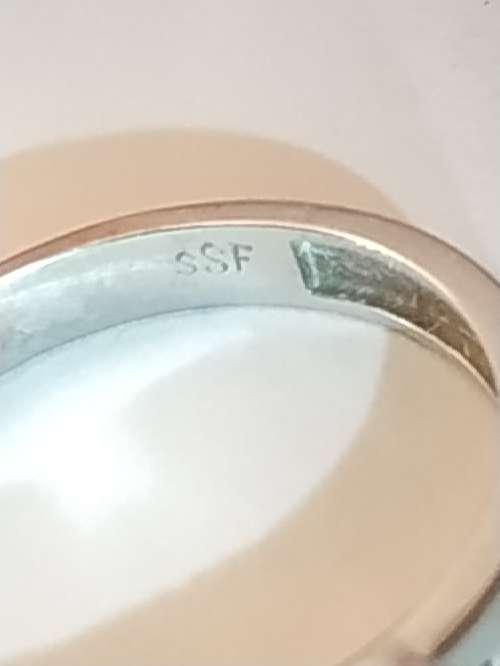 Imagen producto Anillo de oro blanco de 18 kilates 750 milesimas 4