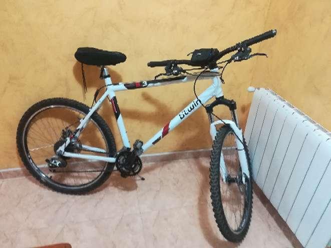 Imagen producto Bicicleta Btwin de color blanco  1
