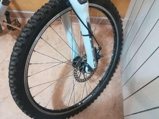 Imagen producto Bicicleta Btwin de color blanco  2