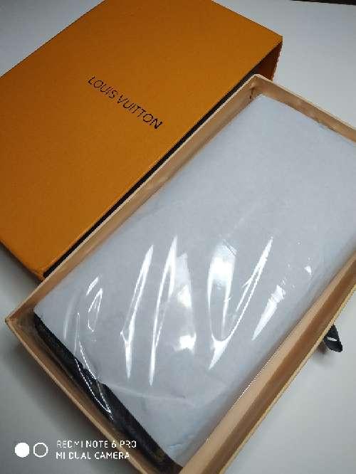 Imagen Monedero grande marca con estuche regalo
