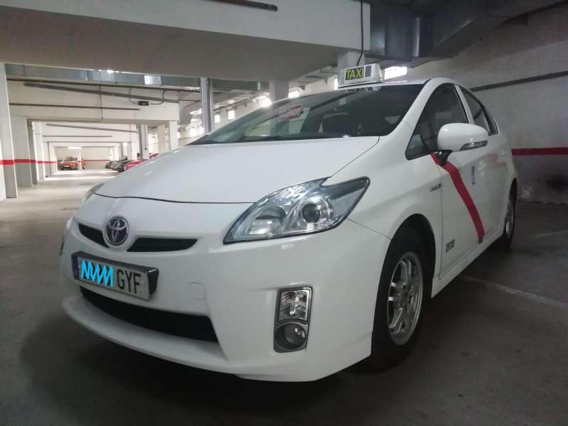 Imagen Licencia taxi con coche