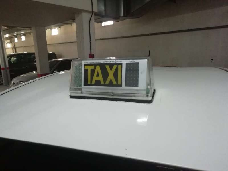 Imagen producto Licencia taxi con coche 3