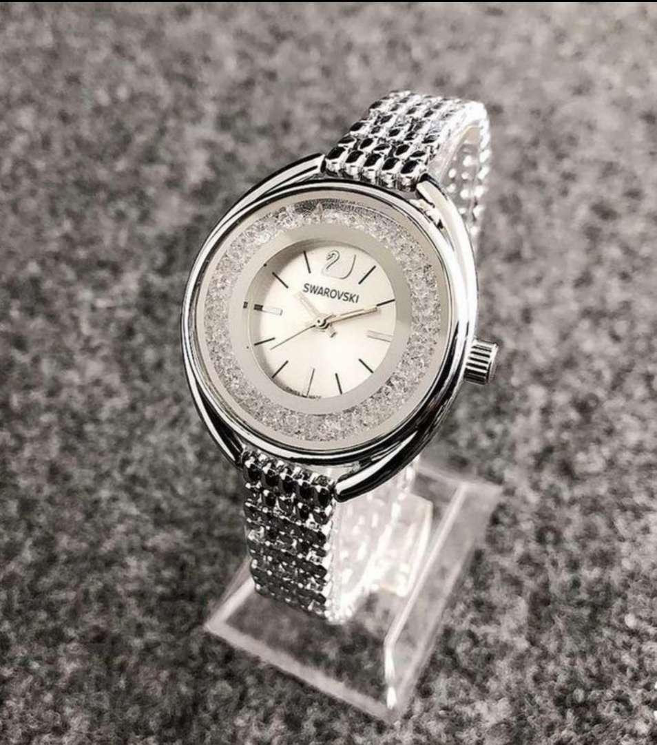 Imagen producto Oferta!!! Pulsera y reloj estilo svaroskwi 2 colores a elegir 4