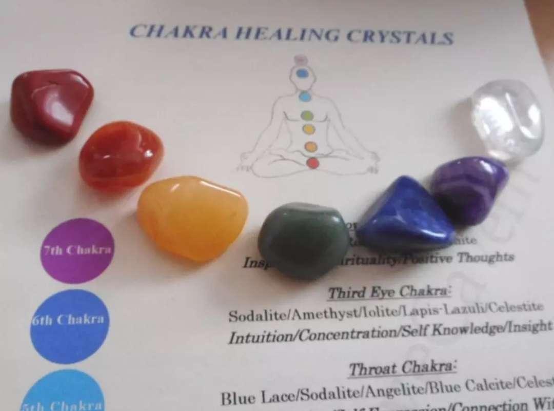 Imagen producto 7 piedras semipreciosas con bolsa de gasa 4