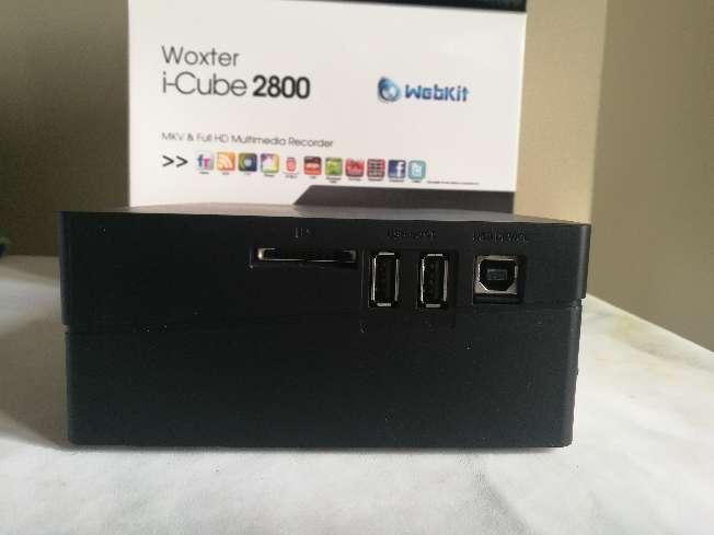 Imagen producto Woxter i-Cube 2800 con 2TB instalados de HD. Reproductor y grabador multimedia con sintonizador.Todo lo necesario para disfrutar de la Alta Definición en tu hogar. 2