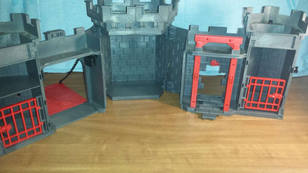 Imagen producto Castillo medieval playmobil completo  6