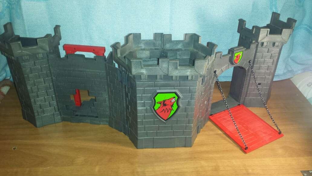 Imagen producto Castillo medieval playmobil completo  7