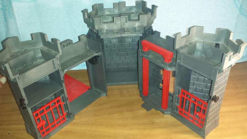 Imagen producto Castillo medieval playmobil completo  8
