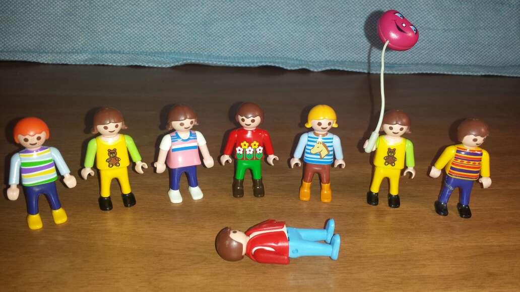 Imagen producto 7 muñecos playmobil niños  3