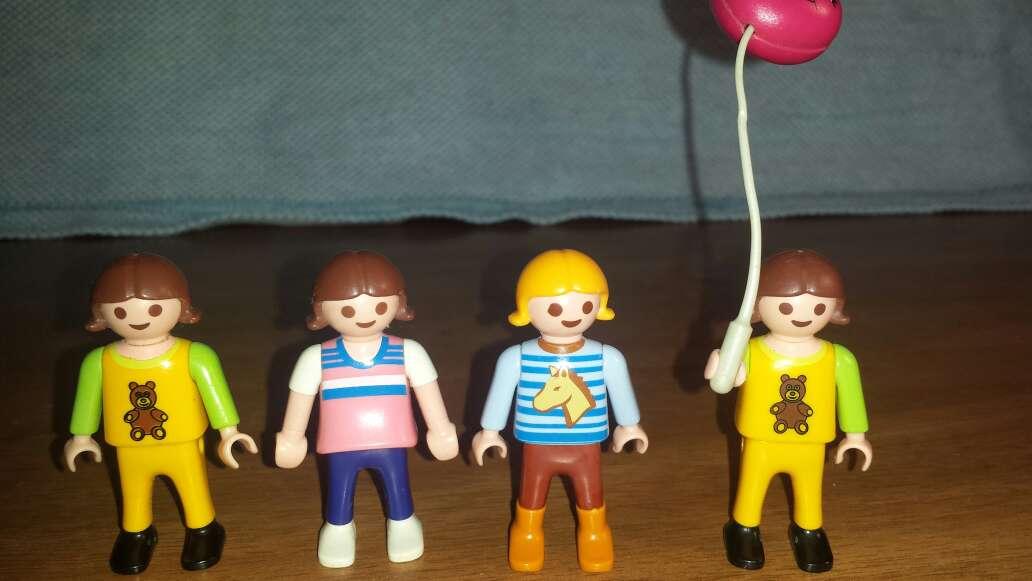 Imagen producto 7 muñecos playmobil niños  4
