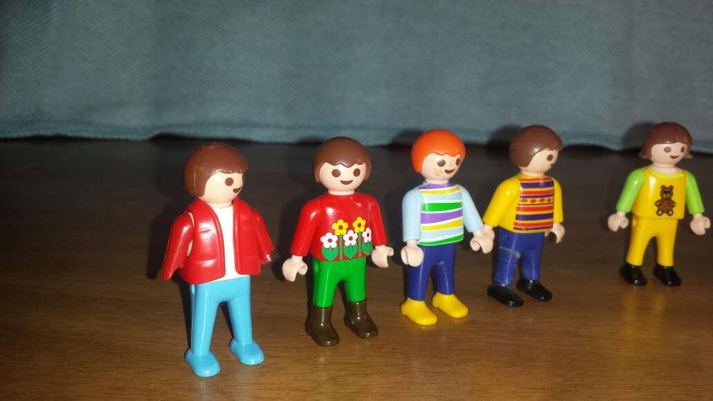 Imagen producto 7 muñecos playmobil niños  6
