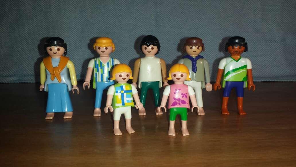 Imagen 5 adultos 2 niños playmobil