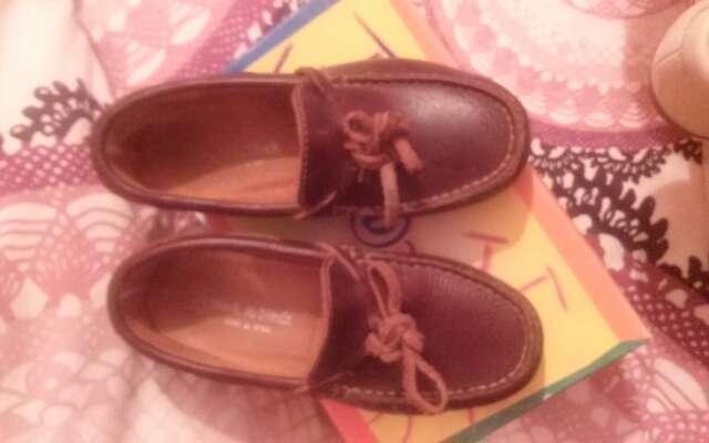 Imagen producto Zapatos de niño. nuevos 3